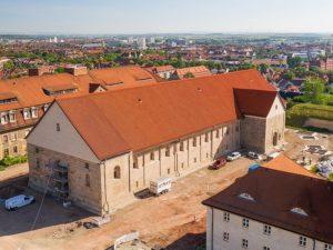 Die Peterskirche während der Sanierung