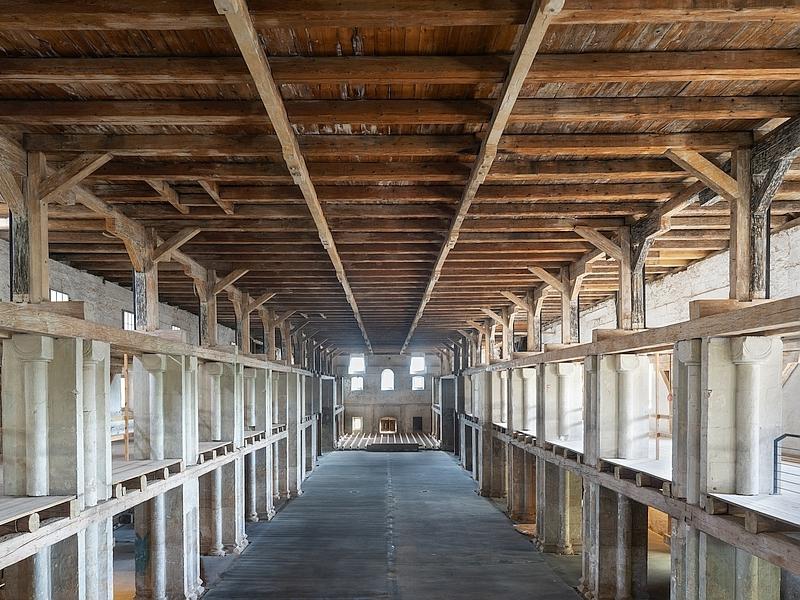 Innenraum der Peterskirche ohne die Ausstellung